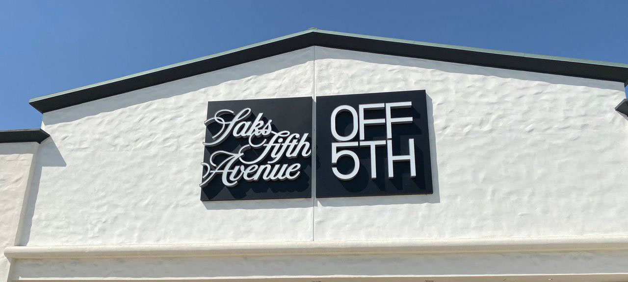 Saks off 5th Storefont California