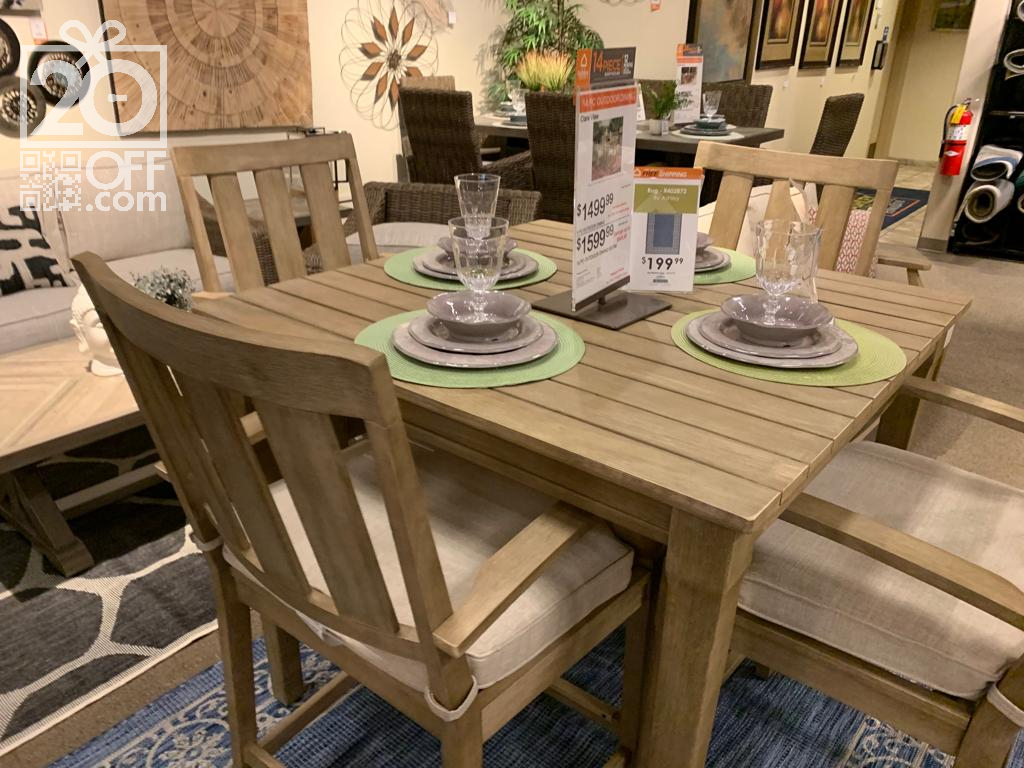 Classic Style Dining Set
